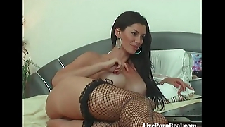 gorgeous brunette chatting and playing with their way pussy(7)